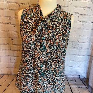 VanHeusen med floral pattern blouse